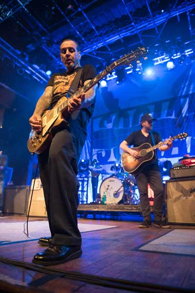 playing guitar with Mike Ness, Social Distortion